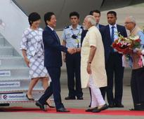 Japan PM arrives to a warm welcome