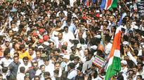 Raj Thackeray leads protest march to Churchgate