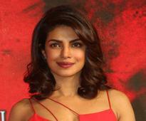 Priyanka Chopra to present at 2017 Emmys