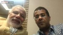 Snapshot: Narendra Modi, Chetan Bhagat's selfie