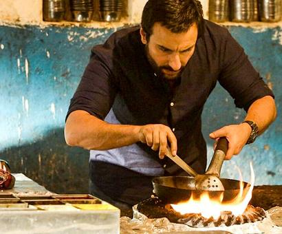 Bollywood's YUMMIEST foodie moments!