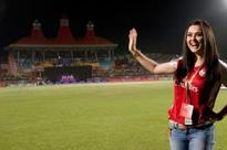 Preity Zinta trolled for her message to Shah Rukh's Team
