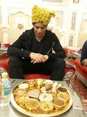 SRK relishes Rajasthani Thali in Jaipur