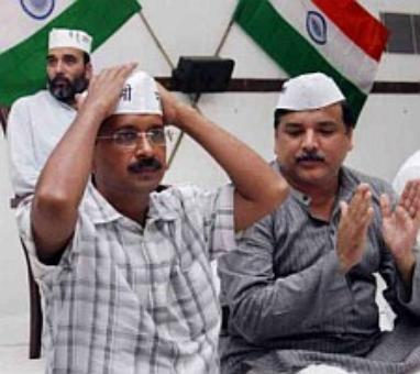 Amid BJP's move to form Delhi govt, AAP calls MLAs' meet