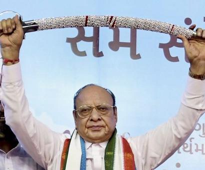 Shankersinh Vaghela joins new front, to contest all seats in Gujarat polls