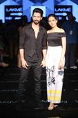 Shahid Kapoor, Mira Rajput hand-in-hand at Masaba's LFW show