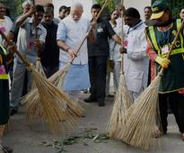 Modi issues 'Clean India' challenge, targets celebrities for viral campaign