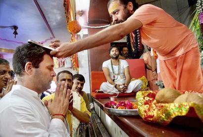 To counter BJP-RSS' Hindutva, Rahul visits temples in Gujarat