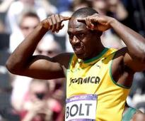 Bolt wins 4th straight 200 metres world title