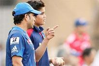 Tendulkar bowls at Mumbai Indians nets alongside son Arjun