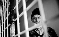 Maintain consistency on Kashmir policy: Geelani to Nawaz Sharif