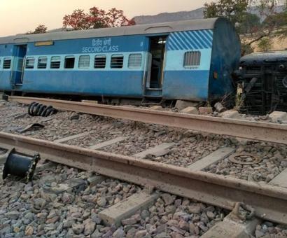 8 coaches of Mahakaushal Express derail in UP, 9 injured