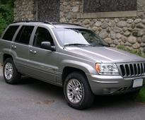 Chrysler recalls older Jeep SUVs for ignition switch issues