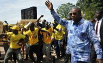 Guinea President Vows to Hold Vote, Street Clashes Erupt