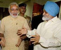 Modi, Montek in tussle of words