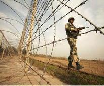 Pak Rangers again violate ceasefire in Jammu