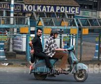 Big B drives scooter with Te3n co-actor Nawazuddin Siddiqui in Kolkata