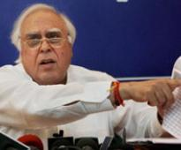 Sibal, Jaitley question SC's inquiry into Justice Ganguly