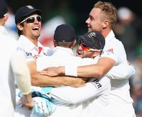 Second Ashes Test: England hold Australia