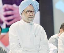 Manmohan 'lying with a straight face', hits back BJP
