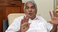 Now, Oommen Chandy sues Achuthanandan for defamation