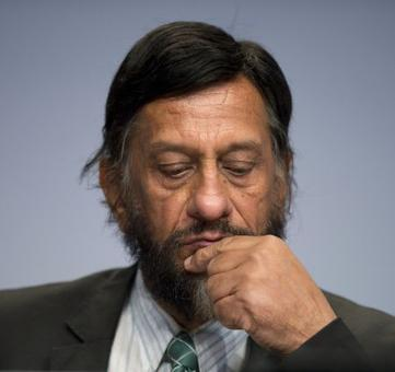 TERI students refuse to accept degrees from R K Pachauri