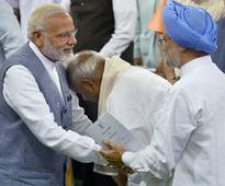 Manmohan asks Modi to apologise for Congress-Pak link lies: 10 points