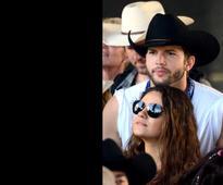 Ashton Kutcher, Mila Kunis welcome baby girl
