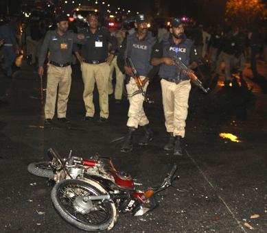 Suicide blast near Pak's Gaddafi stadium kills policeman