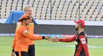 Live Cricket Score, RCB vs SRH, IPL 2016: RCB off to brisk start in 195-run chase against SRH
