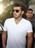 Arjun Kapoor Promotes '2 States' at Gaiety Galaxy Theatre [PHOTOS]