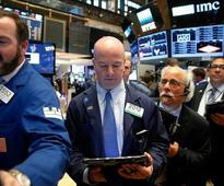 Wall Street reverses loss, gains on oil rally