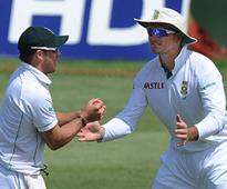 De Villiers tipped to succeed Smith