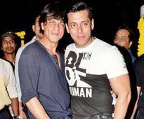 OMG! SRK released the First Look of of Salman`s `Bajrangi Bhaijaan`