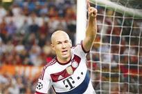 Seven-goal Bayern tear sorry Roma apart