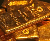 Demand for gold falls as prices tumble