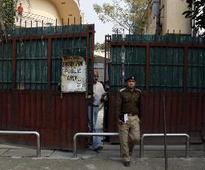 Delhi traffic police constable beaten up by ...