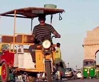Despite Court Ban, E-Rickshaws Continue to Ply in Delhi's Rajpath