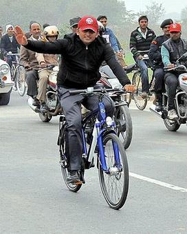 Cycle symbol belongs to Akhilesh-led Samajwadi Party, says EC
