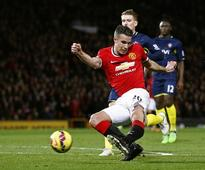 Manchester United News: Van Persie Casts Doubts over his Future at Old Trafford