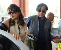 'Unnatural sudden death' for Sunanda Tharoor, say doctors