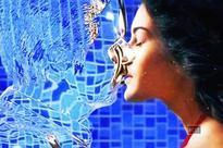 Mr. X First Look: Invisible Emraan Hashmi kisses Amyra Dastur