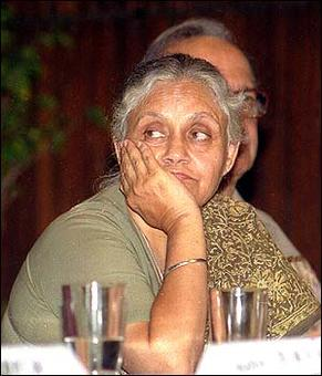 Court slaps Sheila Dikshit with Rs 3 lakh fine for non-appearance