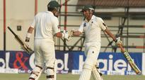 Australia in trouble after Younis khan double