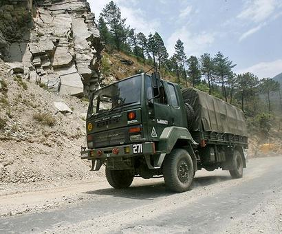 Amid Doklam standoff, govt plans to speed up roads along China border