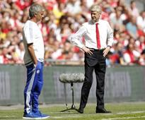 Watch Arsene Wenger and Jose Mourinho Snub Each Other During Post-Match Handshakes [Video]