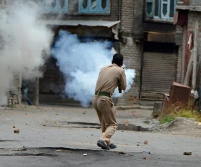 Youth's killing: Srinagar court orders FIR against cop