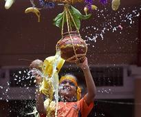 Krishna Janmashtami: Things may get ugly for Fadnavis govt during Dahi Handi events