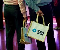 Reports of cash shortage defy logic: SBI