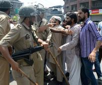 Kashmir: Police prevent Geelani from addressing rally, protests erupt in Anantnag